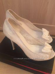 Шикарные ажурные  туфли