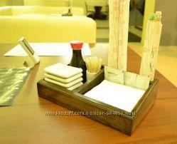 Лоток-подставка для суши принадлежностей.