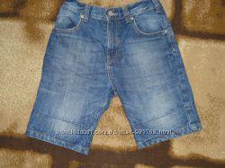 Джинсовые шорты на мальчика 9-11лет
