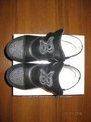 продам демисезонные ботиночки- туфельки