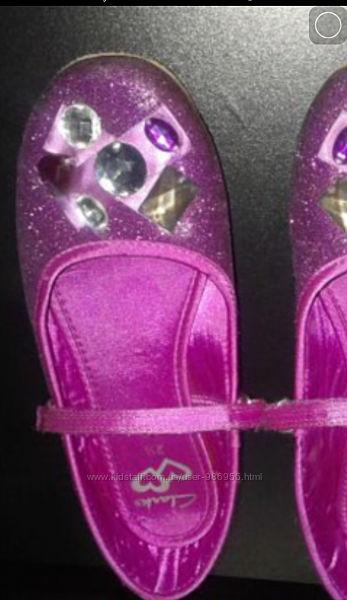 Красивые туфельки Clarks. Стелька 22,5 см.