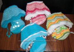 Комплект для новорожденных. Шапочка и пинетки для малышей