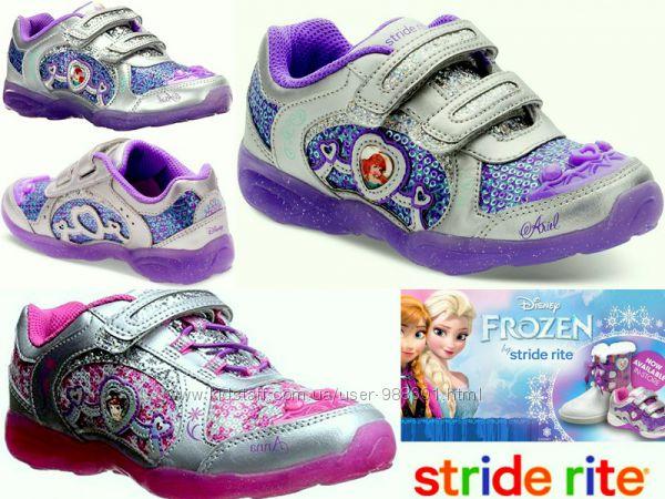 Светящиеся кроссовки Stride Rite Disney