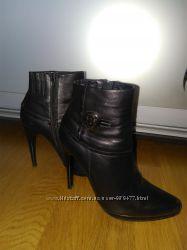Ботинки осенние кожаные.