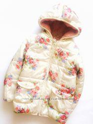 Демисезонная куртка в цветочный принт