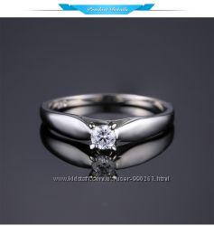 Серебряное кольцо солитер