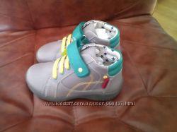 Кожаные демисезонные ботинки Mark&Spenser  27 размер стелька 17см