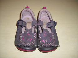 Кожаные пинетки Clarks First Shoes размер 20