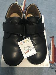 Кожаные туфли в школу Geox  34 размер