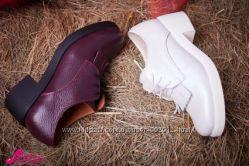 Модные бордовые туфли с бахромой