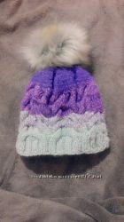Серо-фиолетовая тёплая шапка, ручная работа