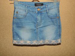 YUKE джинсовая мини юбка с гипюром и стразами