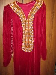 Платье Туркмения велюровое красное 42-44 р-р