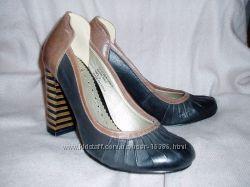 супер ціна на туфлі VOLATILE