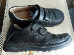 Продам туфли детские Biomecanics   бу, р. 35