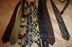 Много галстуков