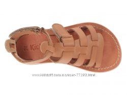 Kickers кожаные босоножки р. 34 длина стельки почти  23см