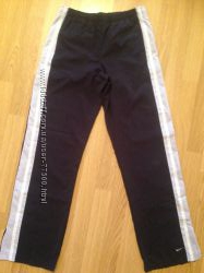 Фирменные женские спортивные брюки Nike р. 46