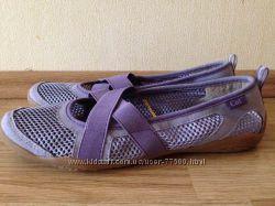 Женская спортивная обувь р. 39