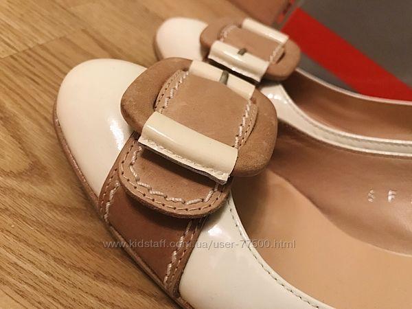 Женские туфли от бренда Lloyd р.39