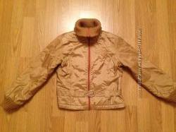 Продам красивую демисезонную курточку на девочку р. 128