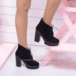 Необыкновенно красивые  ботинки