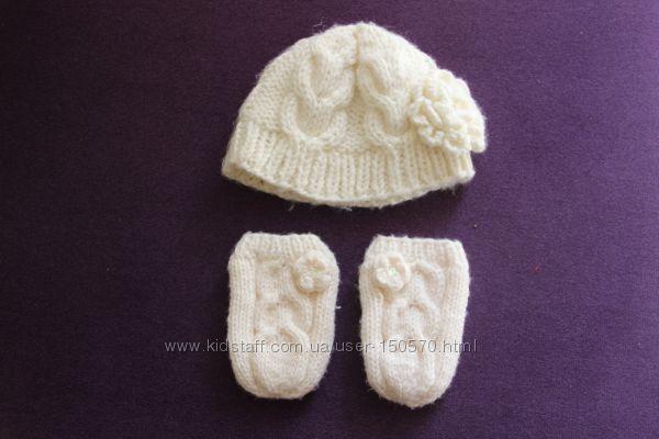Продам шапочку  и рукавички  Marks & Spenser 1-2 года для девочки