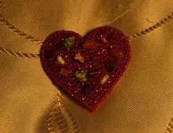 Брошь Каменное сердце цена снижена