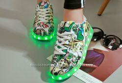 Светящиеся кроссовки. Много моделей. Все размеры в наличии