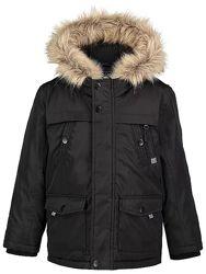 Парка курточка демисезонная на возраст  6-7 лет