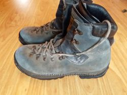 Альпійські та лижні черевики