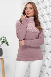 Красивый двухцветный вязаный свитер