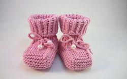 Пинетки сапожки спицами для новорожденных