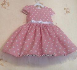Продам новое пышное нарядное платье Сердечки на пудровом 98-104 рр
