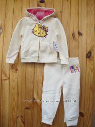 Новый утепленный костюм Hello Kitty на 2года