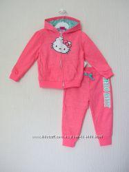 Новый фирменный костюм Hello Kitty. на 18-24мес