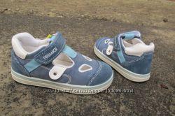Новые открытые кроссовки туфли Primigi 7537. разм. 25. Италия