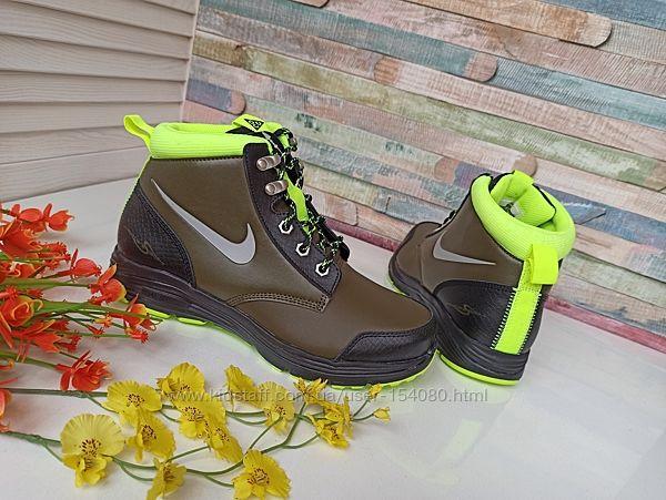 Новые демисезонные ботинки Nike. разм.36-37. Оригинал