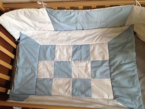 Одеяло и защита в кроватку