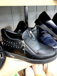 туфли -сникерсы новые