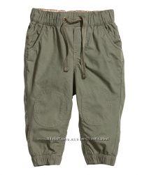 штаны и чиносы H&M.