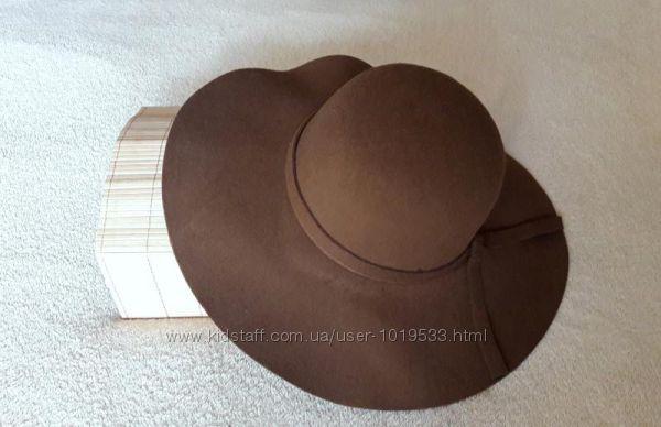 Широкополая коричневая шляпа