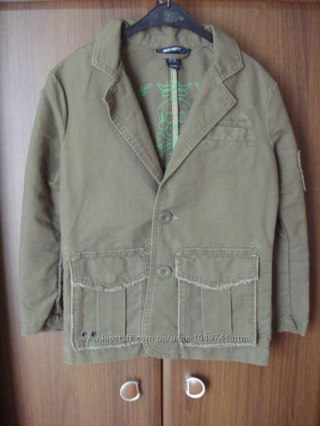 Продам новый пиджачок H&M р. 7-8 лет 128 см