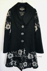 Продам пальто женское с вышивкой