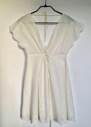 Платье белое очень красивое из натуральной ткани размер uk 12