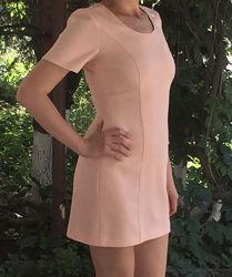 Костюм женский платье и пиджак персикового цвета