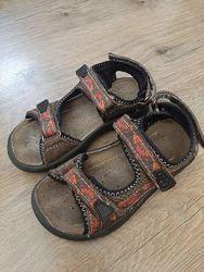Босоножки, сандали  FULLSTOP кожа р-р 29 18 см.