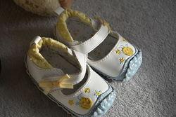 Пинетки туфельки для малышки 3-6 мес