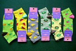Оригинальные женские носки с фруктами.
