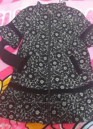 Шикарное пальто miss blumarine 6 лет